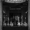 jacaranda guitars-workshop photo 2.jpg