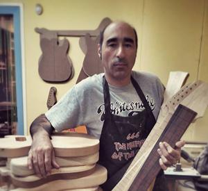 franfret guitars-portrait photo