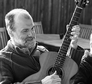 a.j.lucas luthier-portrait photo