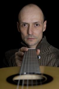 heeres guitars-portrait photo